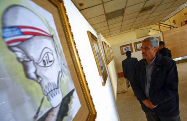 Homem-bomba atinge base militar no Iraque e mata 11