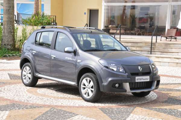 Renault lança Sandero Stepway automático a partir de R$ 47.490