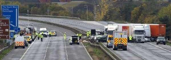 Engavetamento mata pelo menos sete pessoas em estrada na Inglaterra
