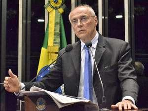 Suplicy retira pré-candidatura e anuncia apoio a Haddad em SP