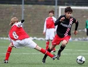 Promessa naturalizada belga confirma que irá para Manchester