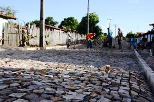 Prefeitura inicia calçamento do Bairro Vila Nova Conquista