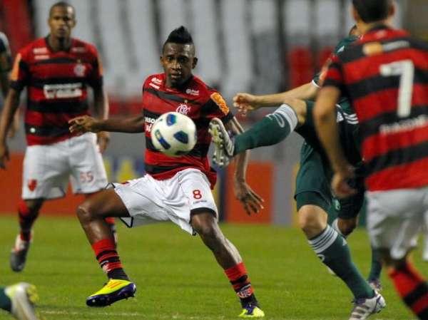 Willians pode deixar Flamengo e seguir para o Internacional