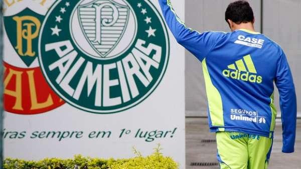 Grêmio e Palmeiras chegam a acordo por transferência de Kleber