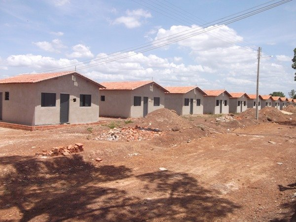 Casas destinadas para vítimas de alagamentos serão entregues em março