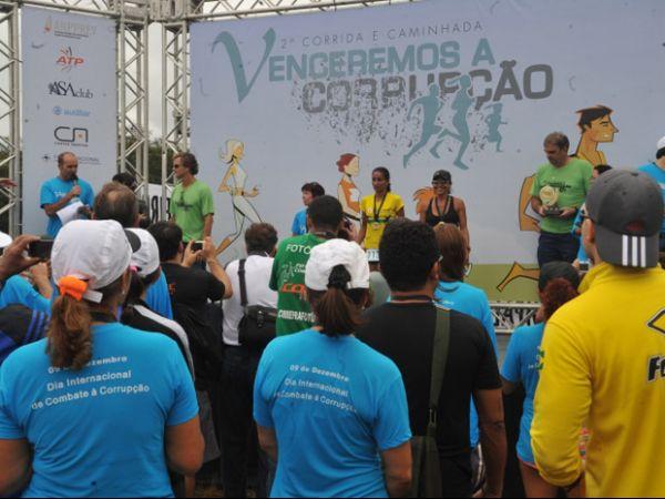Corredores participam de prova contra a corrupção em Brasília