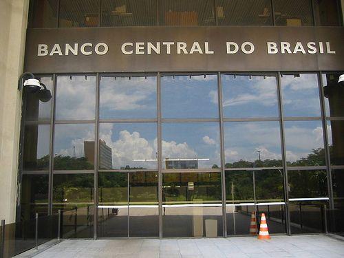 Banco Central injeta dinheiro na economia para evitar mais crise