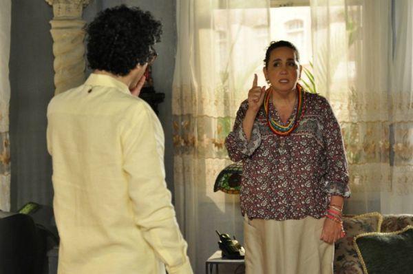 Claudia Jimenez arma barraco em gravações de novela