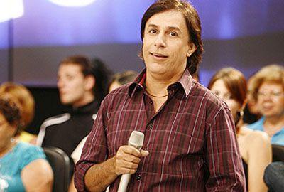 Humorista Tom Cavalcante nega que está indo para a TV Globo