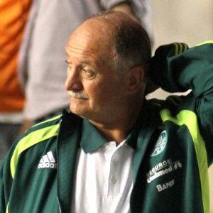 Esnobado, Palmeiras sofre para contratar reforços para 2012