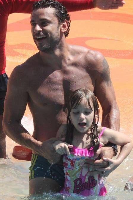 Fred curte férias em parque aquático em Fortaleza-Ceará