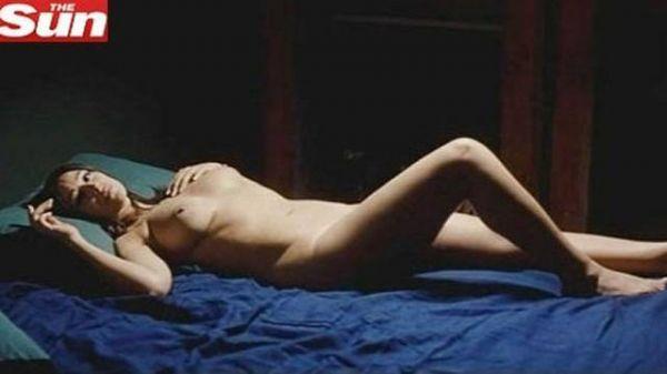Monica Belucci grava cena de nudez em filme e mostra corpão