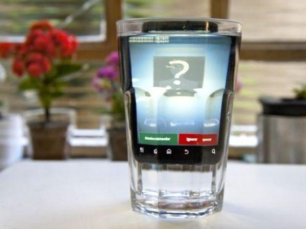 Motorola Defy Mais oferece mais proteção do que desempenho