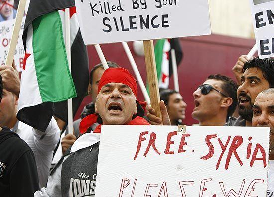Síria assina acordo da Liga Árabe que autoriza visita de observadores