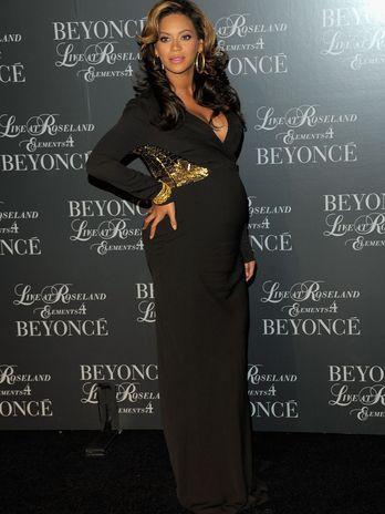 Beyoncé é eleita a grávida mais estilosa; veja fotos!
