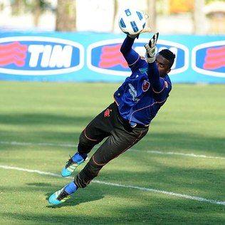 Flamengo ainda não fez proposta oficial por goleiro Felipe