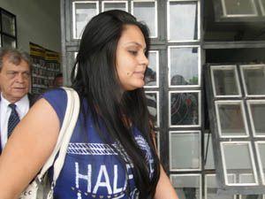 Goleiro Bruno completa 27 anos na cadeia em MG e recebe a visita da noiva por 20 minutos
