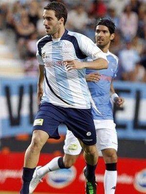 Abreu marca, mas uruguaios caem para argentinos em jogo beneficente