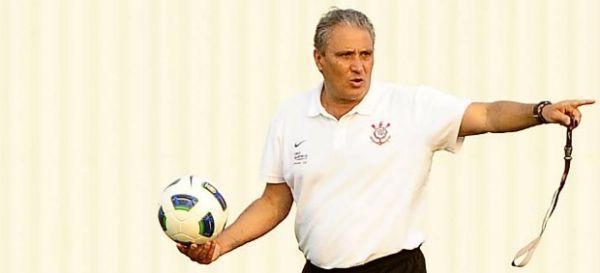 Contra o Palmeiras, Tite diz que não pretende