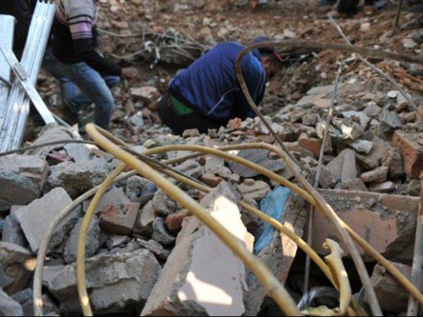 Prédio de quatro andares desaba na Índia e mata três pessoas