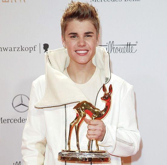 Justin Bieber fecha o ano com prêmio Bambi e sem filho