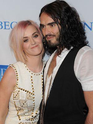 Após rumores de separação, Katy Perry vai a evento com o marido