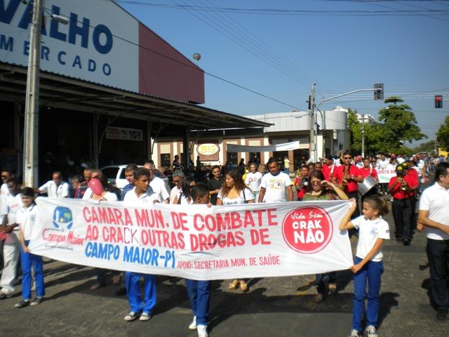 Vários órgãos e entidades participam de Caminhada contra as Drogas