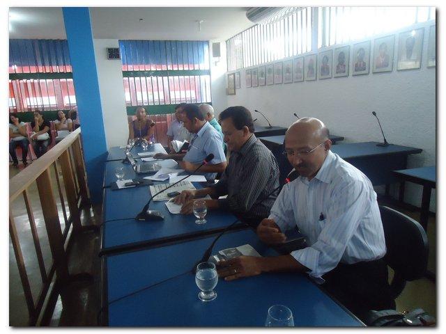 Poder Executivo e Legislativo reuniu-se com a Sociedade Civil para discutirem emenda popular