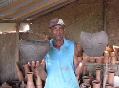 Ceramista oeirense vende peças até para os Estados Unidos