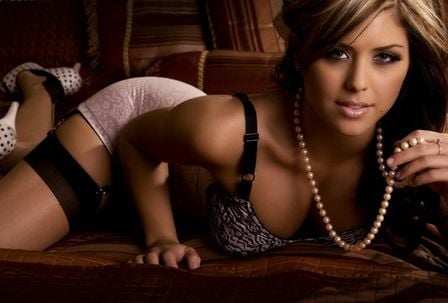 Musa do UFC é eleita a mulher mais sexy do mundo esportivo