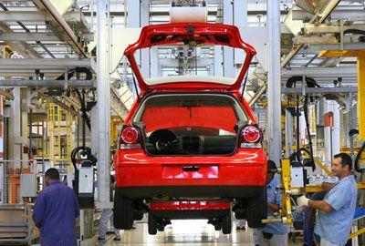 Produção de automóveis tem alta de 3,4% em novembro no Brasil