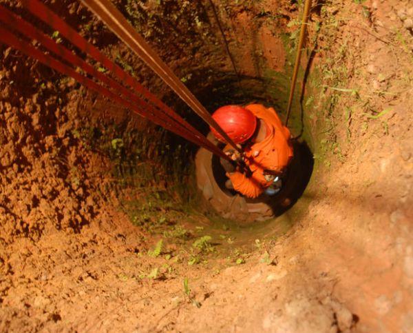 Bombeiros do PA resgatam corpo de homem soterrado havia dois dias