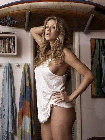 Grávida, Luana Piovani posa nua pela primeira vez para revista Trip