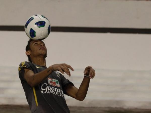 Convocações de Neymar faz Santos se descontentar com CBF