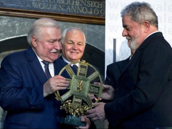 Lula recebe prêmio de 100 mil euros na Polônia