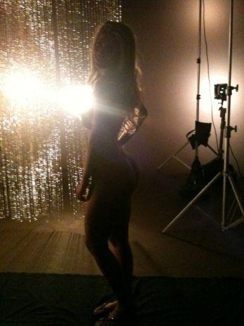 Novas fotos da ex-BBB Cacau para a Playboy são divulgadas
