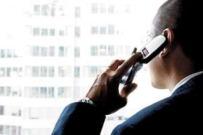 Ligações de celular em viagens exigem atenção com os preços