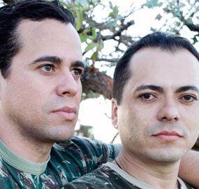 Sargentos gays sofrem ameaça de morte e querem deixar o Brasil