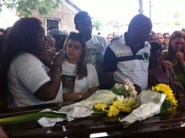 Preta Gil ampara família de artista morto dado como indigente no RJ