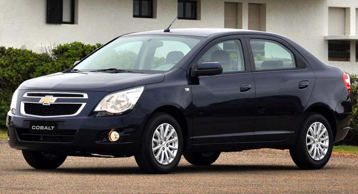 Cobalt surpreende e coloca Chevrolet na liderança de vendas do mercado em 2012