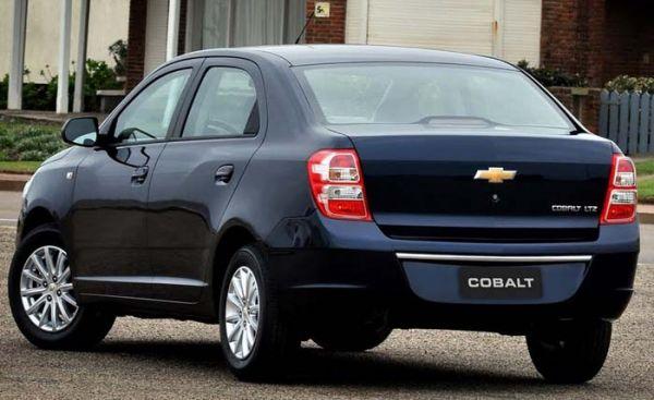 Cobalt surpreende e coloca Chevrolet na liderança de vendas em 2012