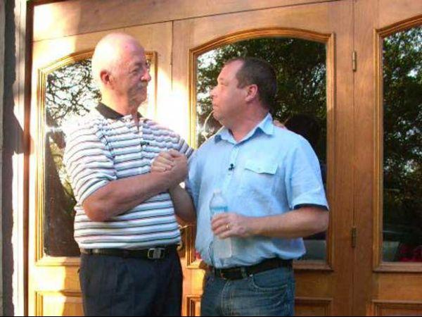 Ex-combatente de guerra revê rival que pensou ter matado