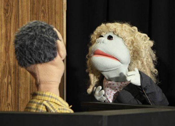 Emissora de TV americana usa bonecos para recriar julgamento