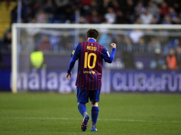Espanhol: Com 3 gols de Messi, Barcelona bate o Málaga
