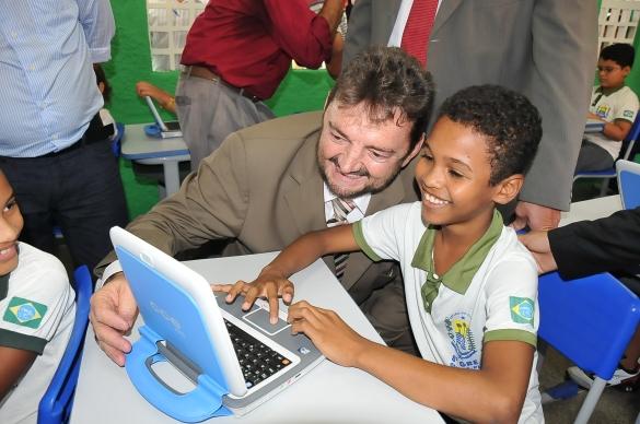 Governador lança projeto UCA em Oeiras