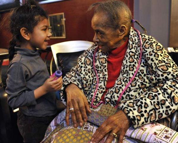 Despejada aos 101 anos, mulher não pode voltar para casa