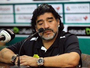 Maradona rebate acusações de jogador e nega ser