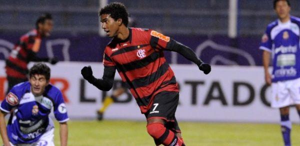Com frio na barriga, jovens do Fla se inspiram em Zico e formam base do time na Libertadores