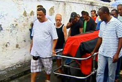 Rio faz 1º enterro de vítima de desabamento de prédio