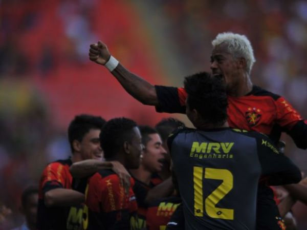 Marcelinho Paraíba oferece recompensa por dente